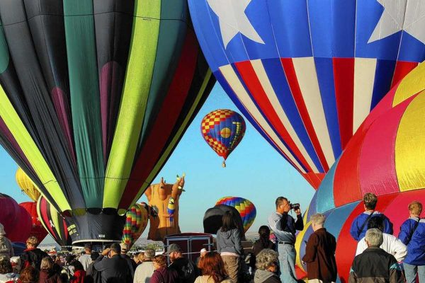 Albuquerque International Balloon Fiesta featured in articles about New Mexico golf courses