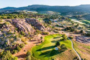 Aerial view of a golf hole at Red Ledges